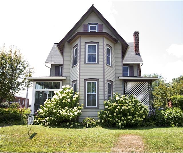 Rent Com Houses: House For Rent In 224 S. Church Street